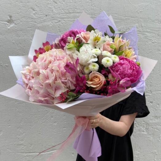 Букет Гортензии, Пион, Роз и Хризантем