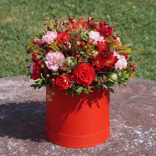 Цветы в коробке Лето красное
