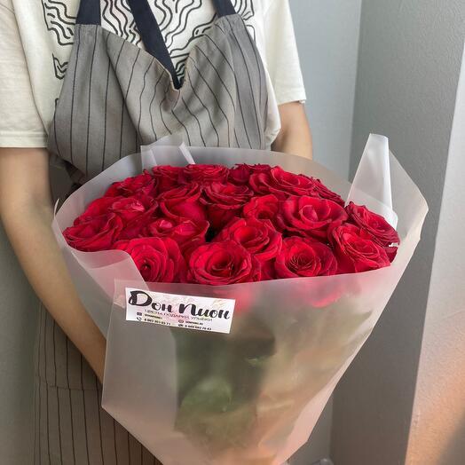 21 красная Роза в пленку