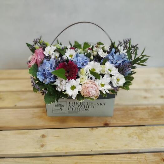 Цветы в коробке Лагуна