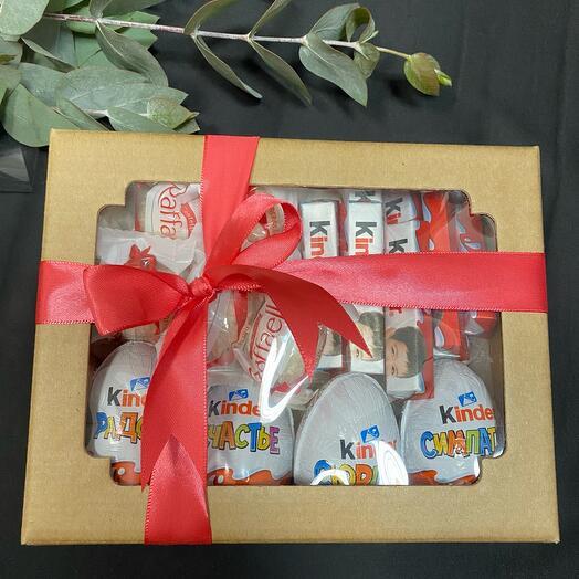 Коробочка со сладостями Киндер и Рафаэлло