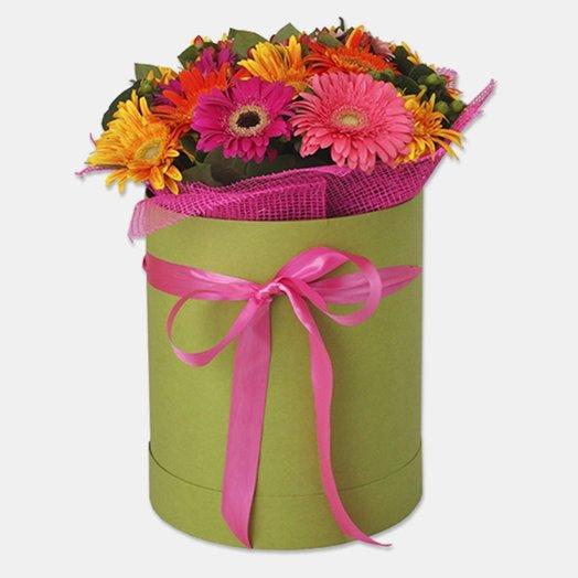 БЦ 157007 Герберы в шляпной коробке: букеты цветов на заказ Flowwow