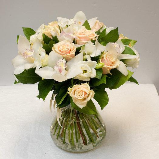 Букет цветов Нежный: букеты цветов на заказ Flowwow