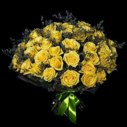 Розы с лимониум: букеты цветов на заказ Flowwow