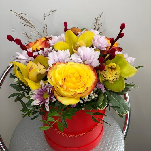 Шляпная коробка радость: букеты цветов на заказ Flowwow