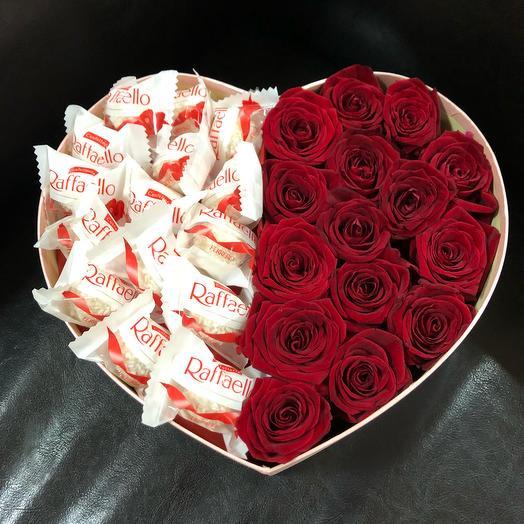 Розы с Raffaello: букеты цветов на заказ Flowwow