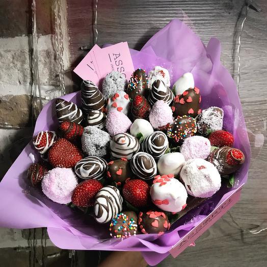 Клубничный букет «радость»: букеты цветов на заказ Flowwow