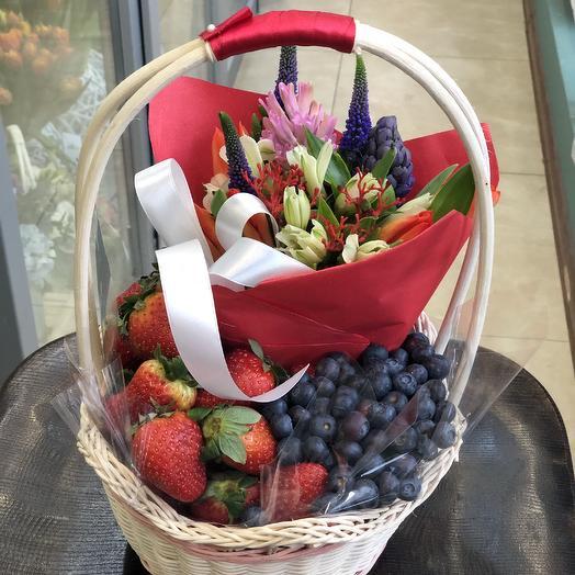 Ягодное лукошко: букеты цветов на заказ Flowwow