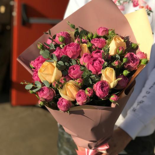 Розы. Пионовидная кустовая роза. N518: букеты цветов на заказ Flowwow