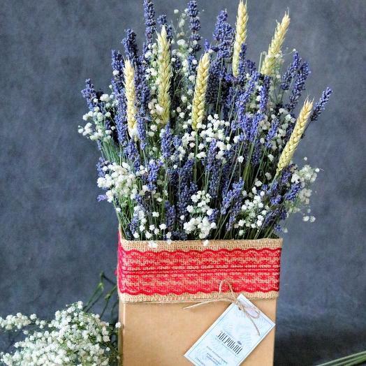 Лаванда в коробке: букеты цветов на заказ Flowwow