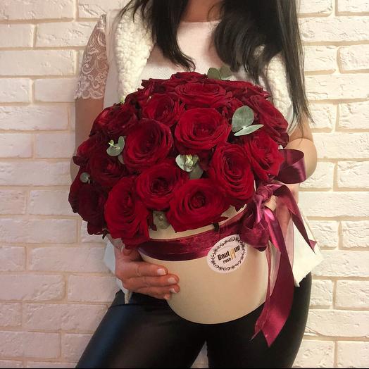 31 red Naomi box: букеты цветов на заказ Flowwow