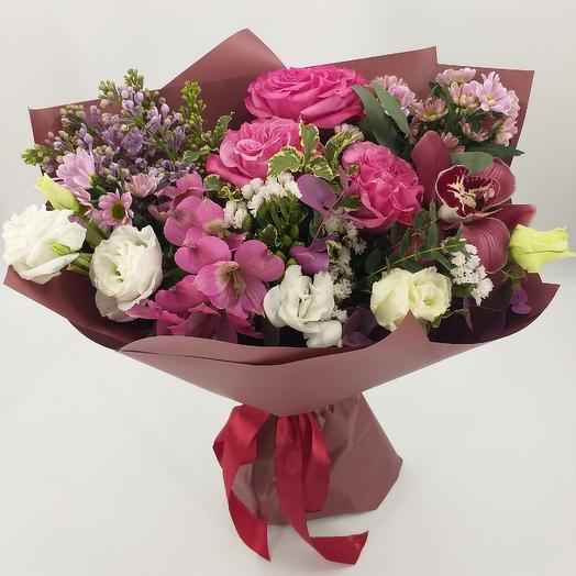 Авторский букет с пионовидными розами и сиренью: букеты цветов на заказ Flowwow