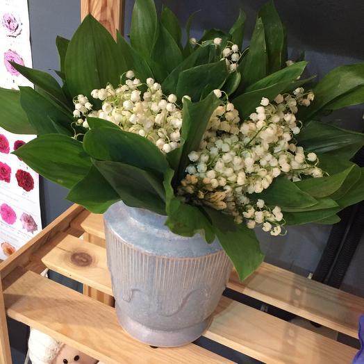 Ландыши в вазе: букеты цветов на заказ Flowwow