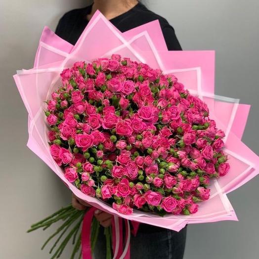 Букет кустовых малиновых роз