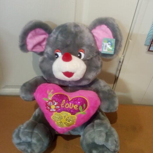 Поющий мышонок с сердцем