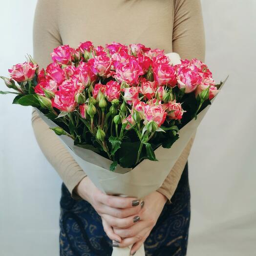 Букет Смузи 11 из красно-белых кустовых роз