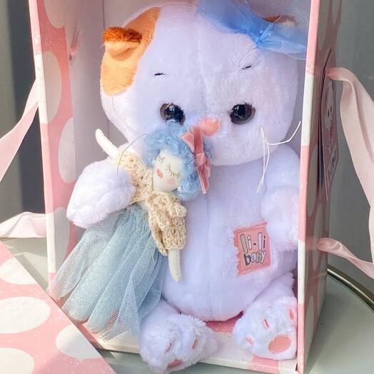 Лилу с куколкой