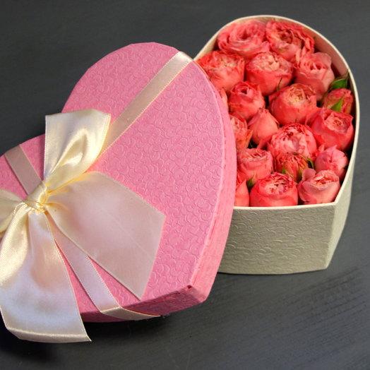 "Коробочка с розами ""Розовое сердце"": букеты цветов на заказ Flowwow"