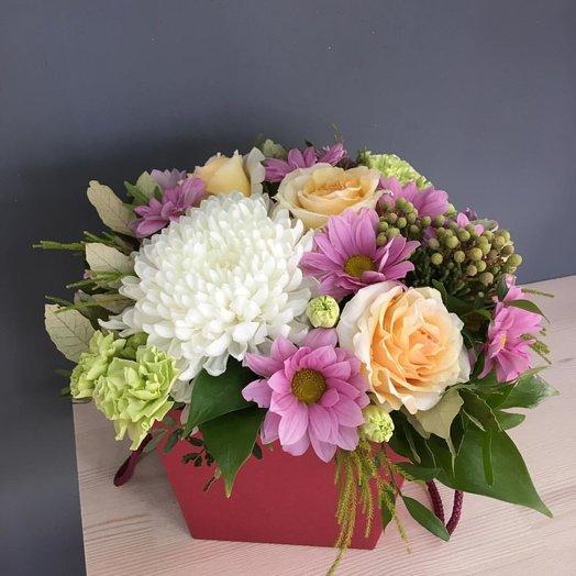 Композиция с хризантемой и розами: букеты цветов на заказ Flowwow