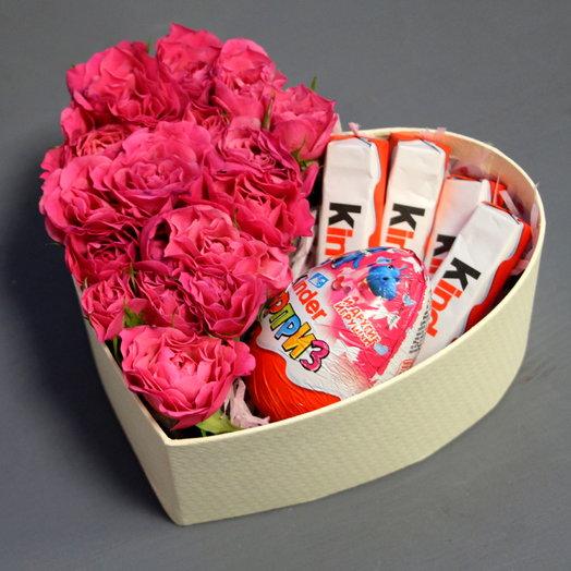 """Коробочка с розами и сладостями """"Маленькое чудо"""""""