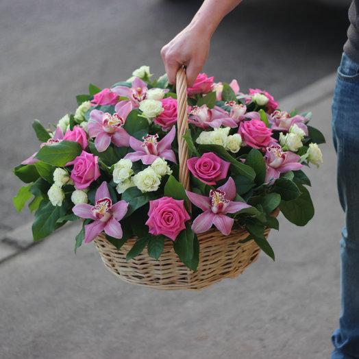корзина орхидеи и розы