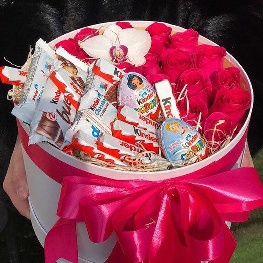 Коробка С киндер: букеты цветов на заказ Flowwow