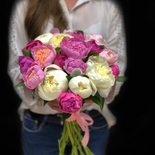 Пионы в крафт бумаге: букеты цветов на заказ Flowwow