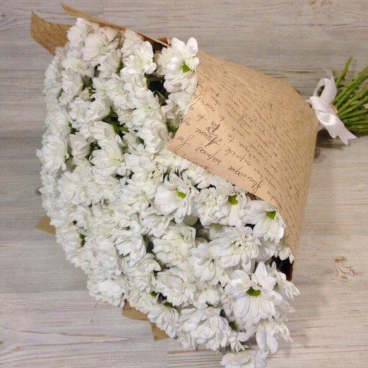 21 хризантема кустовая в крафте с атласной лентой для любимой мамы: букеты цветов на заказ Flowwow