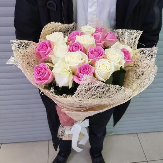 Букет из роз. 19 бело-розовых роз (60 см.): букеты цветов на заказ Flowwow