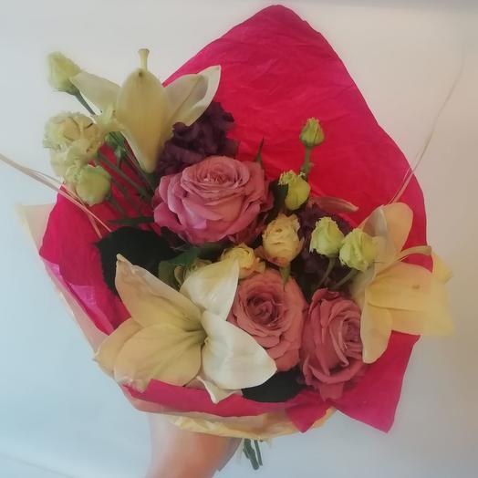 Букет с лилиями 2: букеты цветов на заказ Flowwow