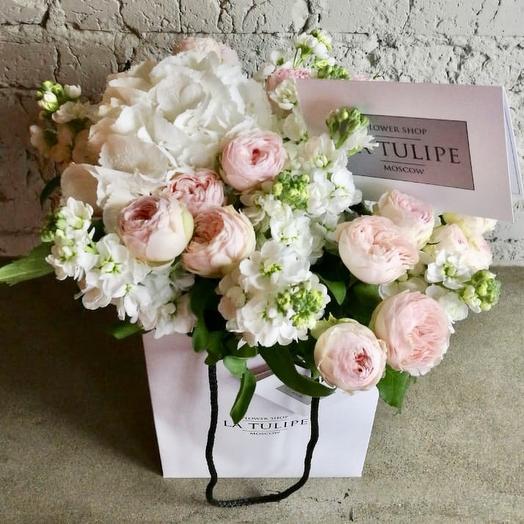 Пионовидные розы и Гортензия: букеты цветов на заказ Flowwow