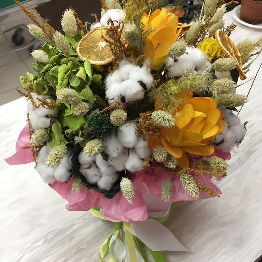 Летняя композиция из сухоцветов: букеты цветов на заказ Flowwow