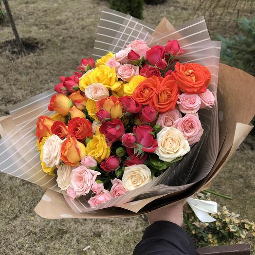 Монобукет 15 кустовых роз микс