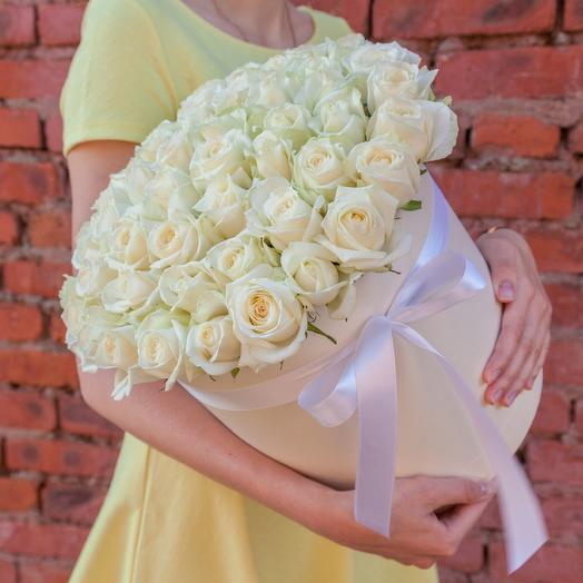 Коробка из 51 белой розы: букеты цветов на заказ Flowwow