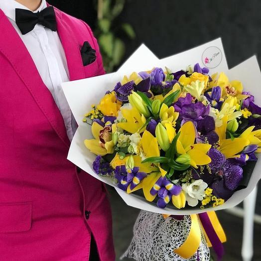 Запах особенности с эффектной доставкой: букеты цветов на заказ Flowwow
