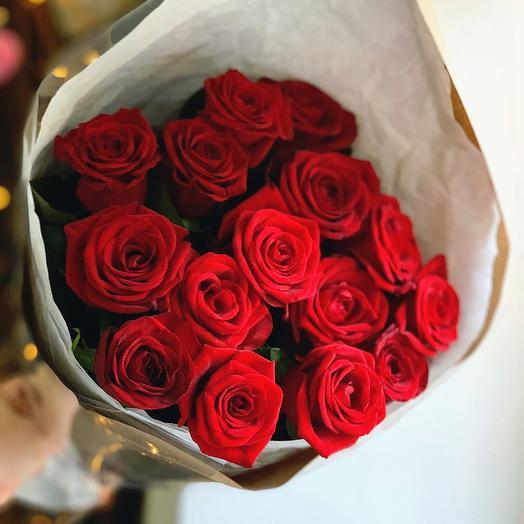 15 шт красных роз: букеты цветов на заказ Flowwow
