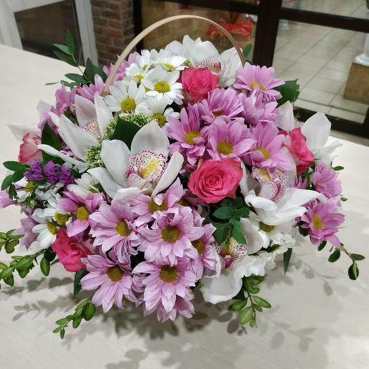 Корзина с цветами 31: букеты цветов на заказ Flowwow
