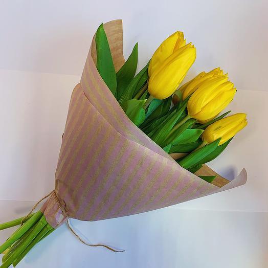 Букет «7 желтых Тюльпанов в крафте»