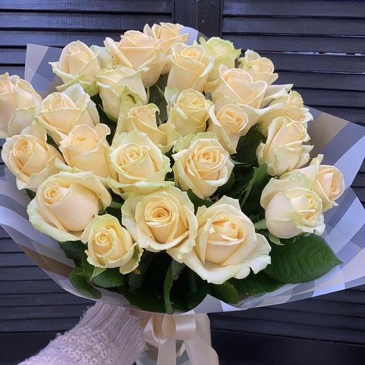 25 кремовых роз 50 см в оформление