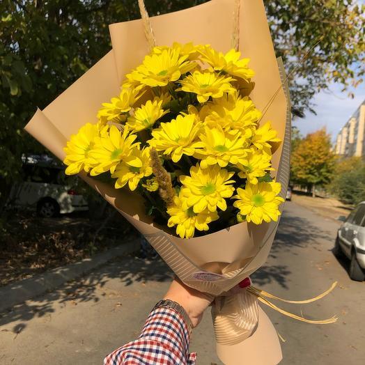 Букет желтых хризантем «Селебрейт»