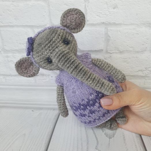 Вязанная игрушка ручной работы -  Слоник девочка