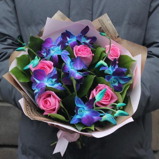 Букет синие орхидеи и розовые розы