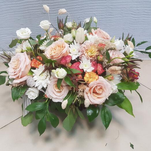 Корзина с цветами (c1)