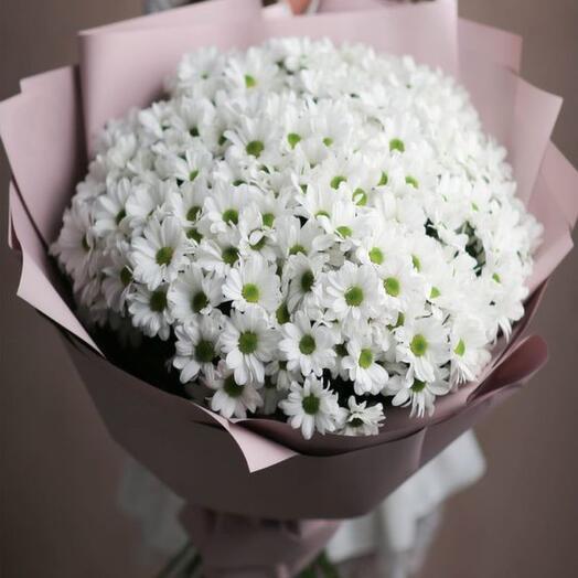 Букет белых ромашковых хризантем