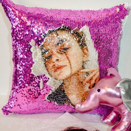 Подушка с фотографией и пайетками