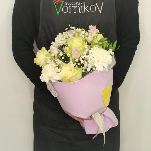 """Букет из роз и диантусов """"Нежные слова"""""""