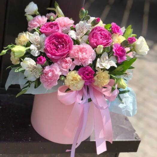 Коробочка с пионовидными розами (размер S)