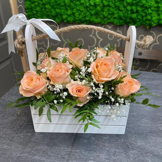 Ящик с розой
