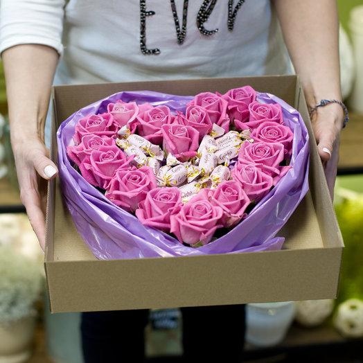 """Композиция с цветами и конфетами """"Мемуары гейши"""": букеты цветов на заказ Flowwow"""