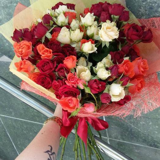 Разноцветные розы: букеты цветов на заказ Flowwow